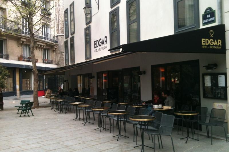 H tel edgar chambres arty et terrasse jolie for Hotel food bar atelier 84