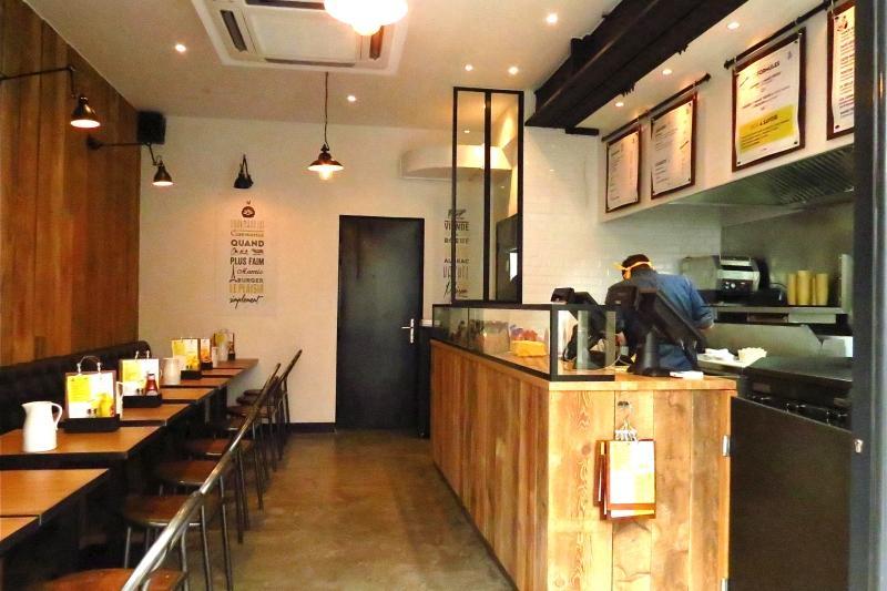Mamie burger a table c 39 est mamie qui r gale - 1 rue saint fiacre 75002 paris ...