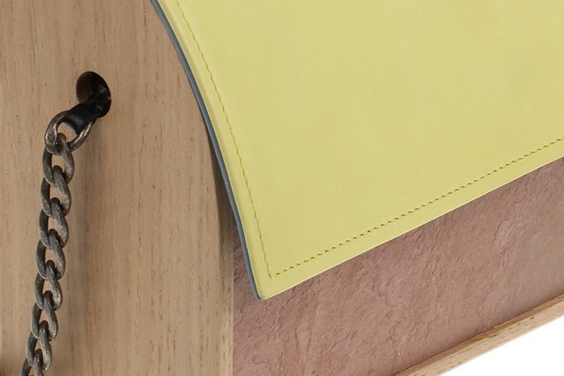 énorme réduction 17c41 2b42d Hugo Matha : l'inventeur des pochettes de luxe en bois